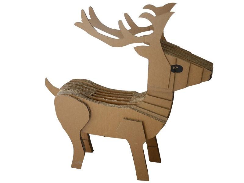 瓦楞纸玩具鹿